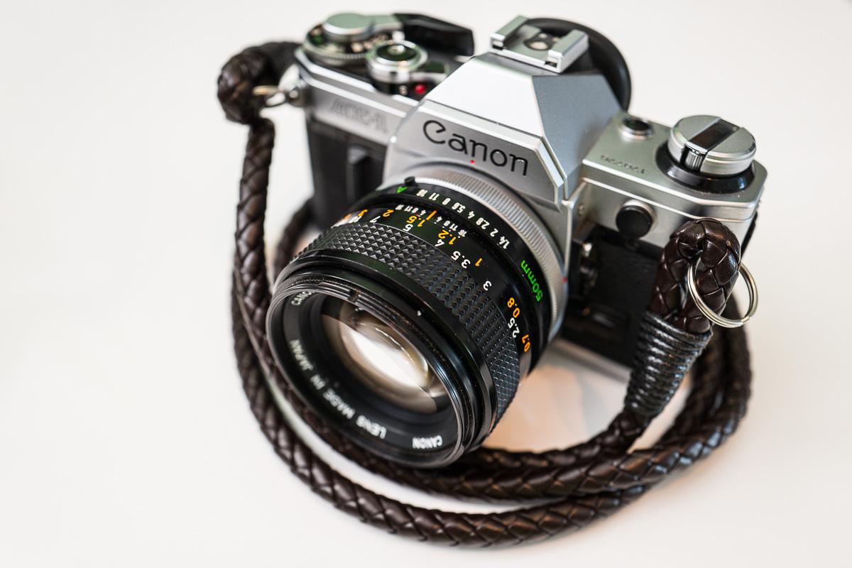 Den Hyperion Camera Strap gibt es jetzt auch in Leder…
